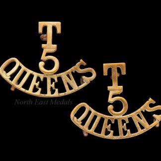 Pair: 'T/5/QUEENS' 5th Btn Queens Royal West Surrey Rgt. Shoulder Title Badges
