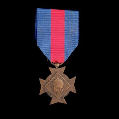 French Croix Des Services Militaires Volontaires Voluntary Military Services Cross Medal. 2nd Type Bronze