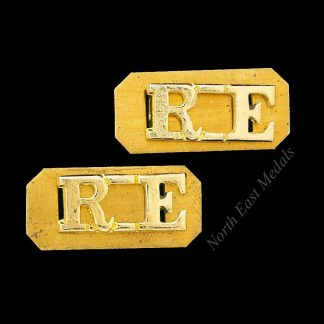 Pair of RE Royal Engineers Staybrite Shoulder Title Badges