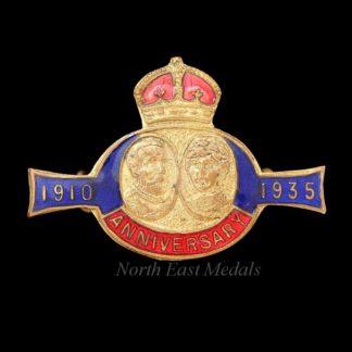 Interesting 1935 King George V Silver Jubilee Brooch 1910-1935