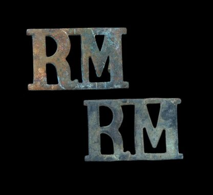 Pair of 'RM' Royal Marines Shoulder Title Badges